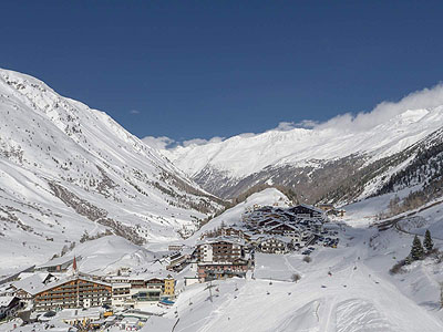 Obergurgl ski by train