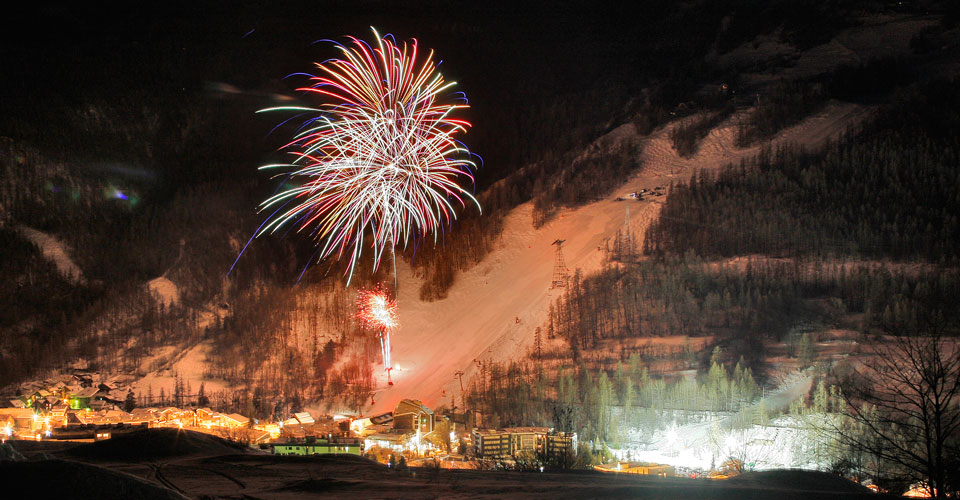 Photo: Agence Zoom - Serre Chevalier fireworks