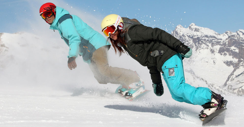 Photo: Agence Zoom - Serre Chevalier snowboarders